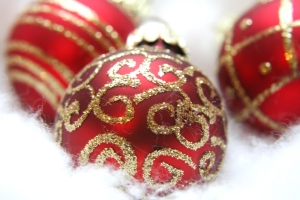 christmas_wallpaper_fancyredballs